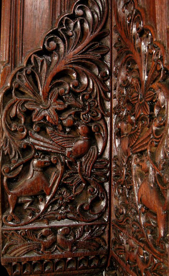 Detail: detail of carving on right stile 553 x 900 · 182 kB · jpeg